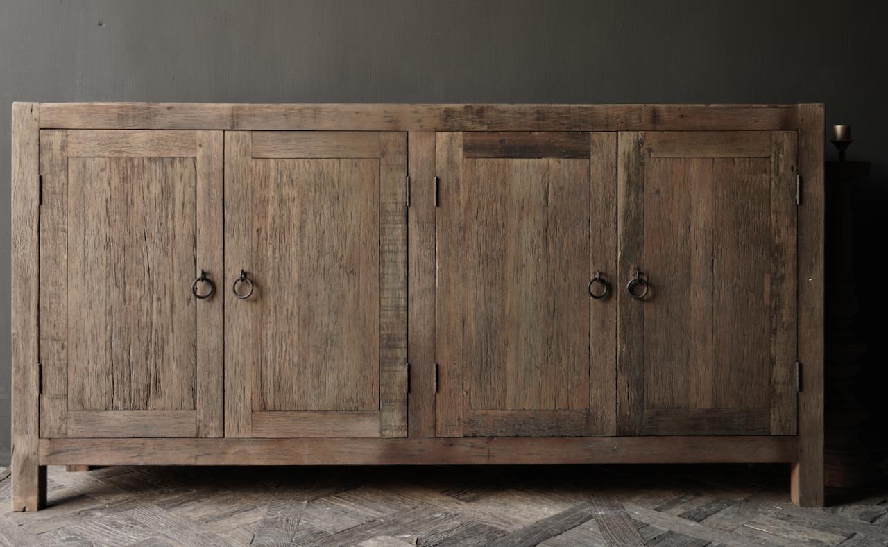 Prachtig  vergrijsd  Stoer  oud houten Dressoir met vier deurtjes-7