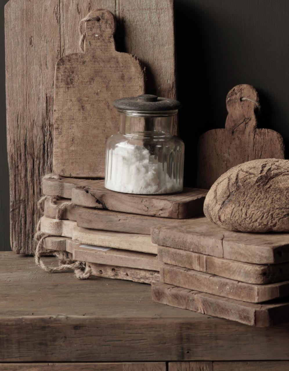Kleines Brotbrett aus altem Altholz-3