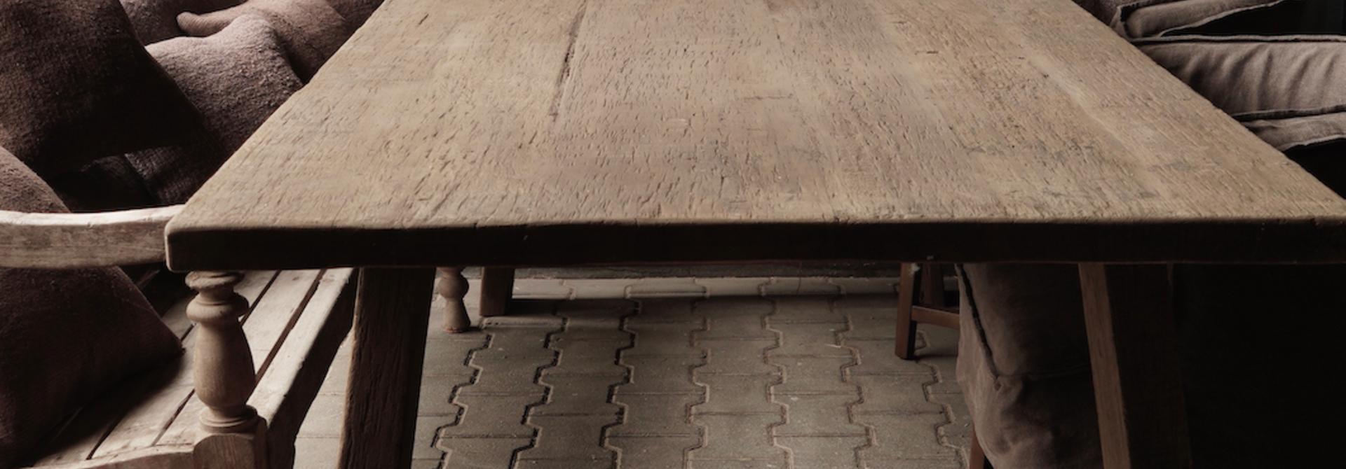 Robuster alter Esszimmertisch aus Holz mit A-Bein 240x100cm