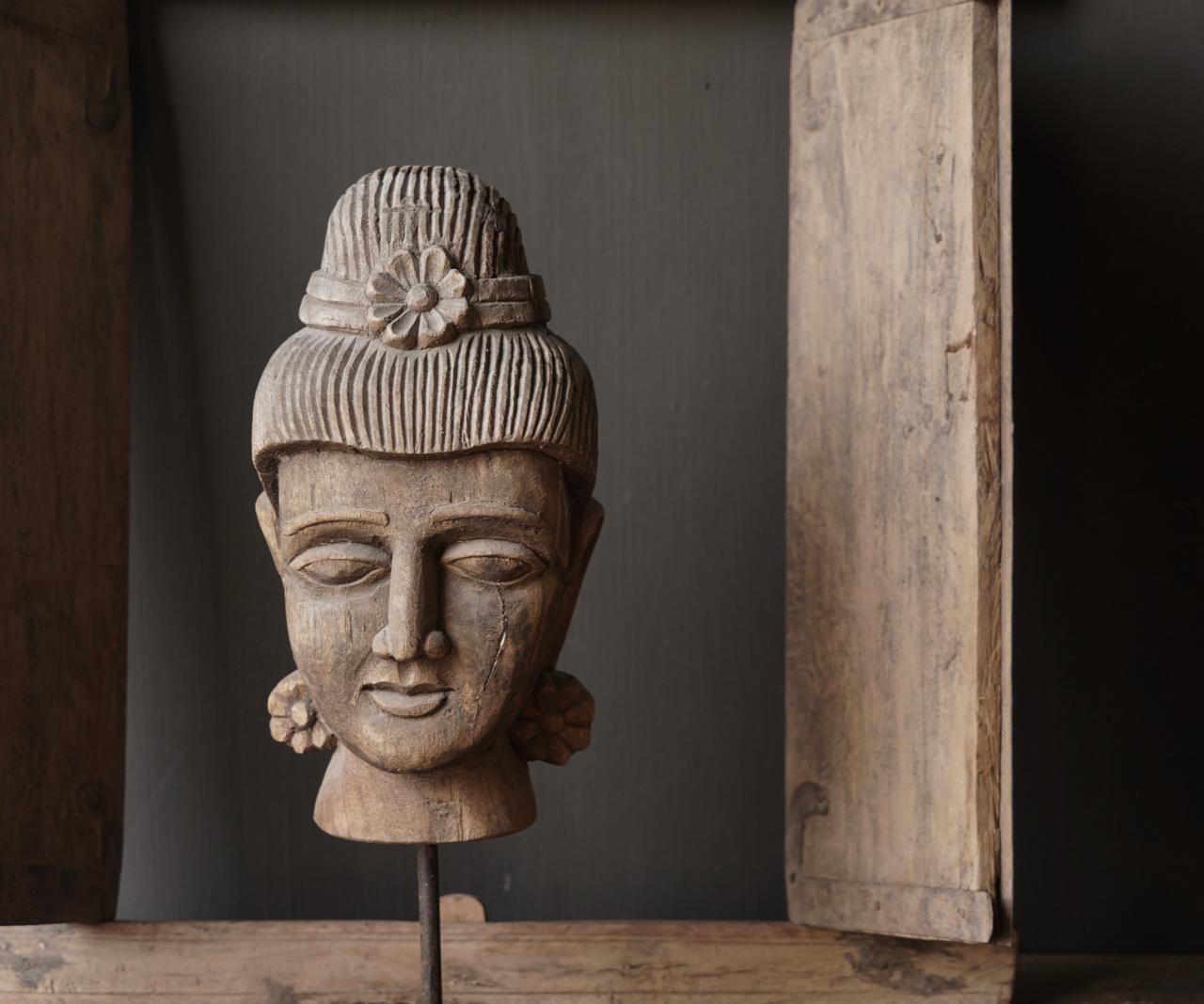 Oud vergrijsd houten  boeddha hoofd-3
