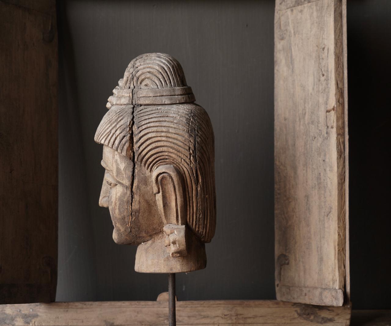 Oud vergrijsd houten  boeddha hoofd-4