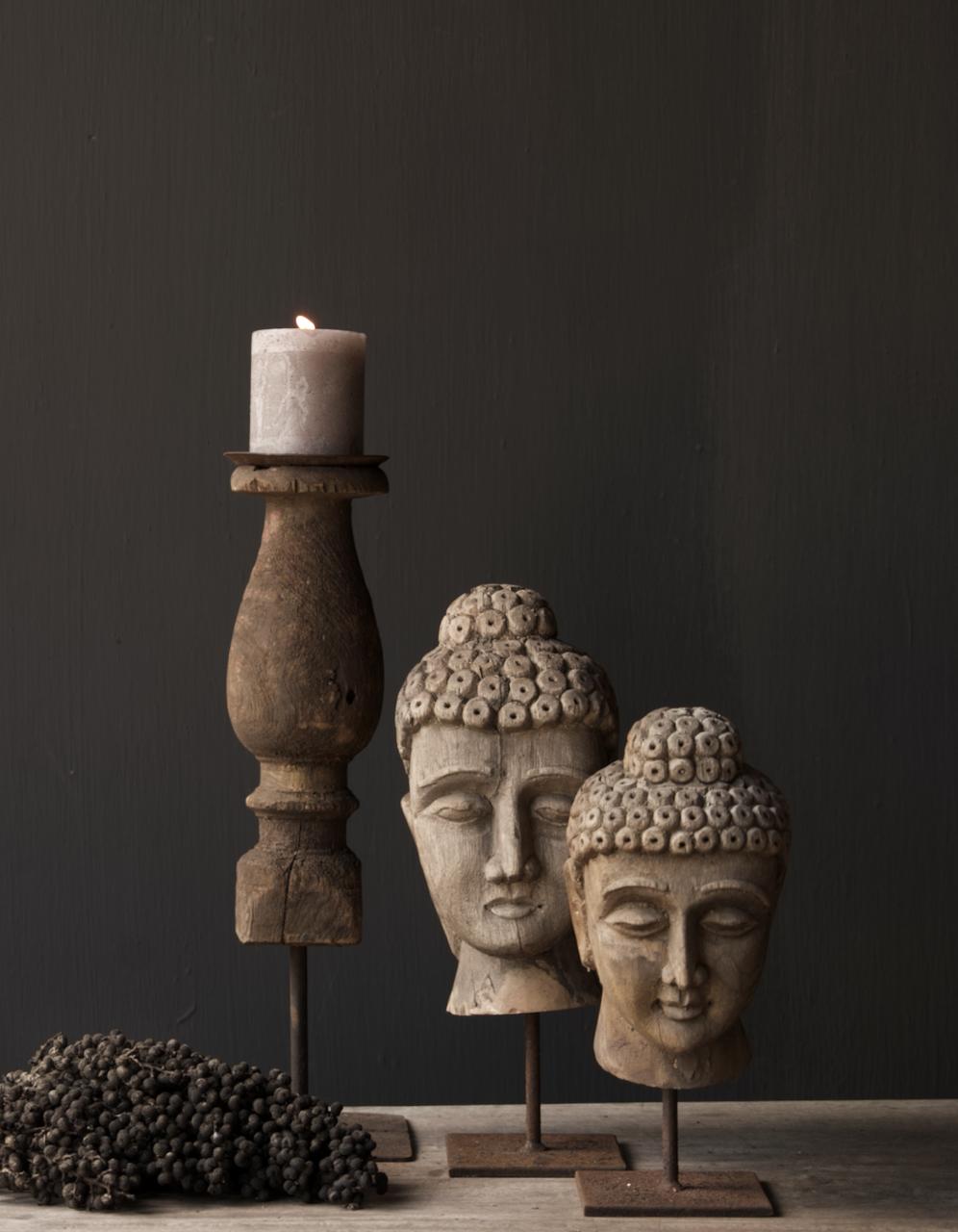 Oud vergrijsd houten buddha hoofd-1