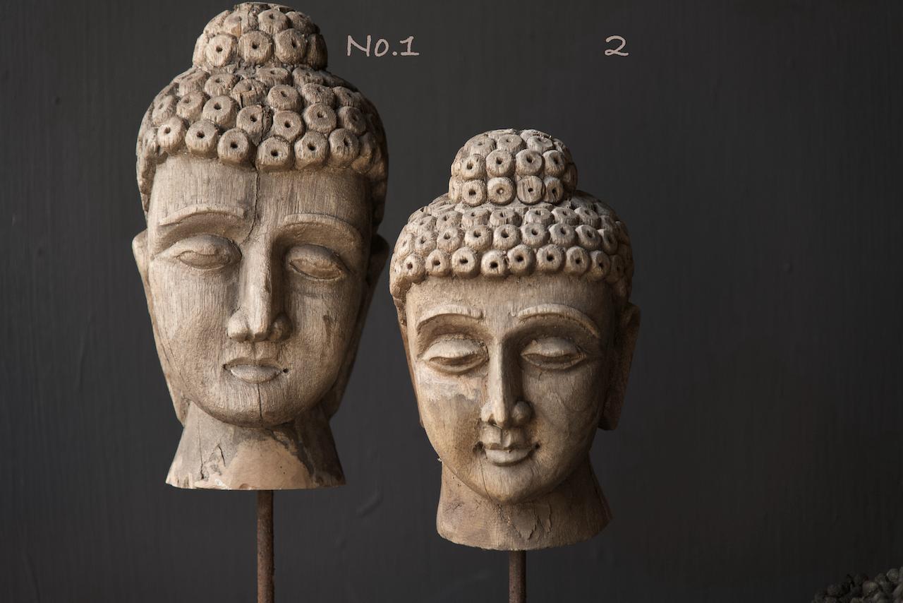 Oud vergrijsd houten buddha hoofd-5