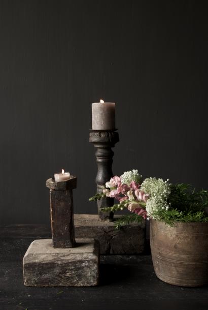 Robuster alter Kerzenständer aus Holz