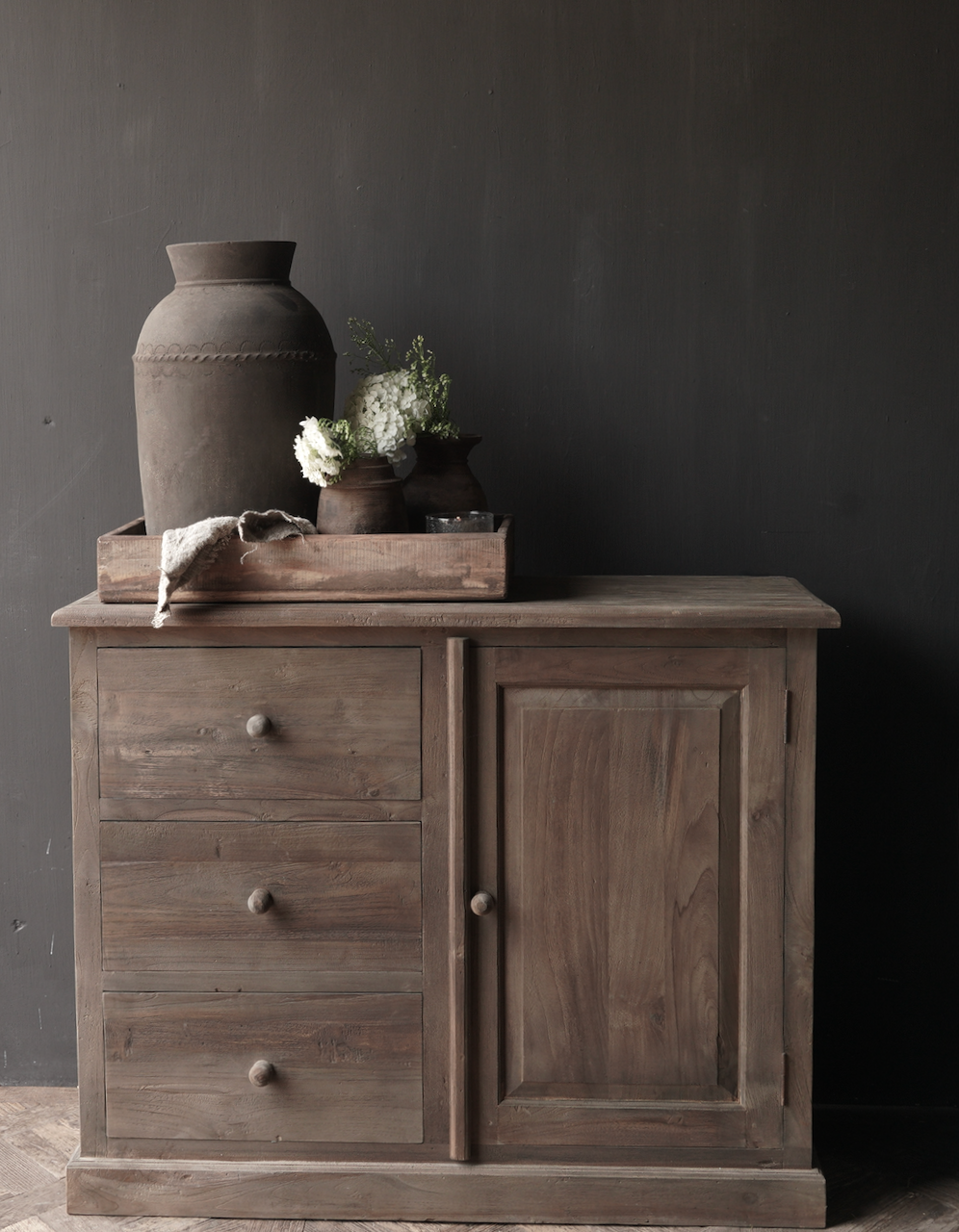 Old wooden chest of drawers with a door Lieke-1