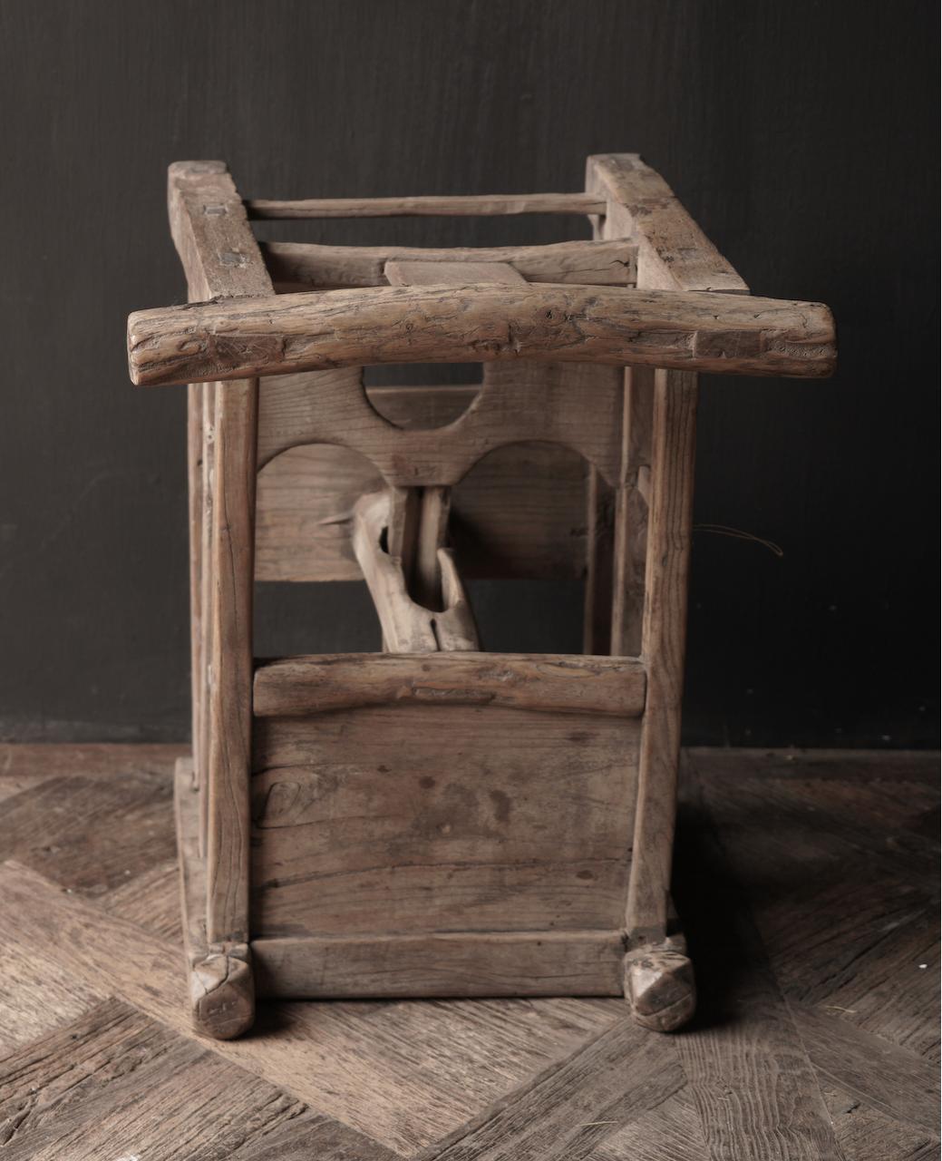 Uniek , Antiek Oud  Indisch houten kinderstoeltje-7