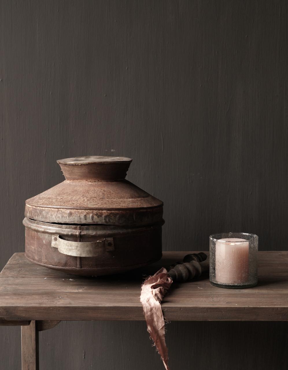 Authentieke  Nepalese ijzeren pot met deksel-2