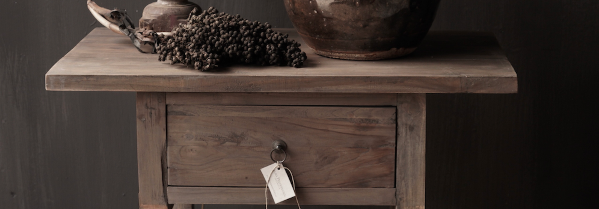 Lieke's hall table / drawer