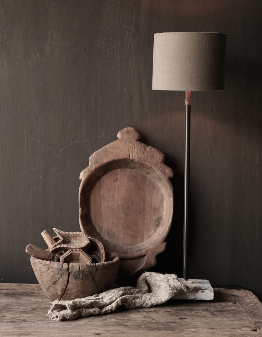 Ijzeren tafellamp  op natuurstenen voetje Aura Peeperkorn-1