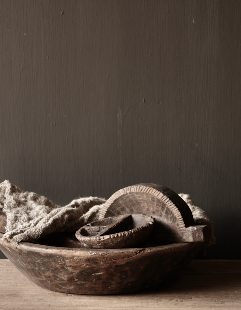 Alte nepalesische Gewürzkiste aus Holz-1