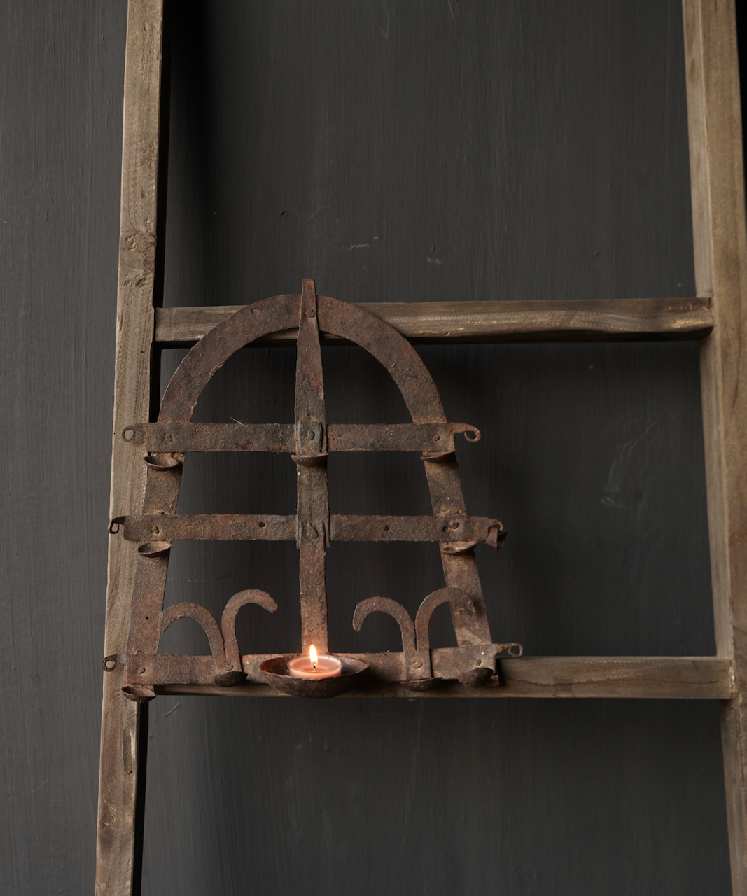 Old iron wall candlestick-1
