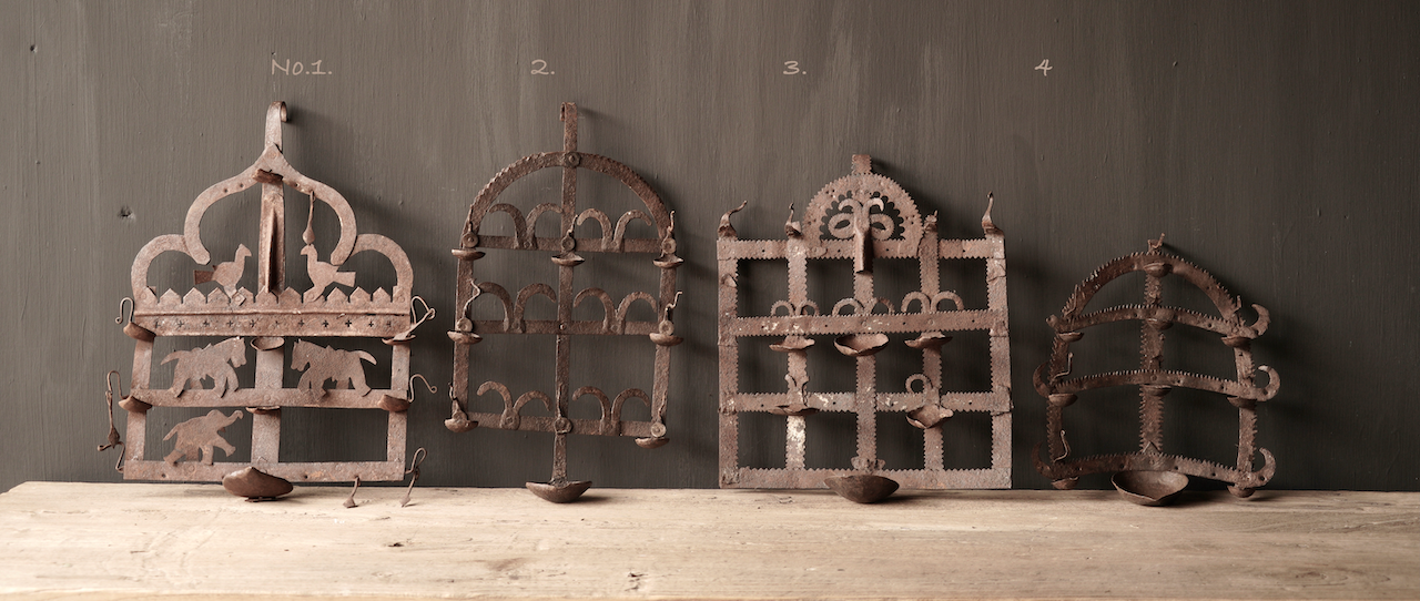 Old iron wall candlestick-2
