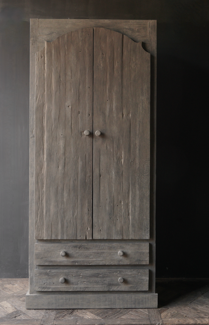 Schöner Tough Rural alter schmaler zweitüriger Holzschrank-2