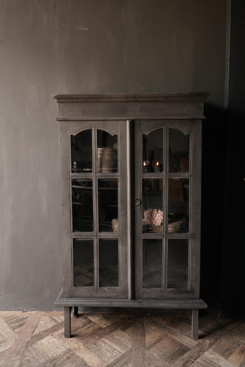 Oude Unieke Indische ( Wabi Sabi) kastje twee glas deuren-1