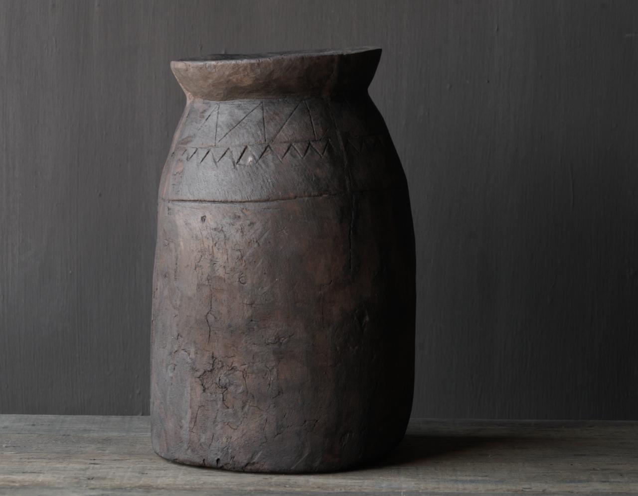 Oud houten nepalese  wabi sabi kruik  XL-2