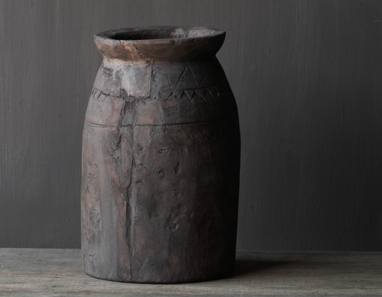 Oud houten nepalese  wabi sabi kruik  XL-3