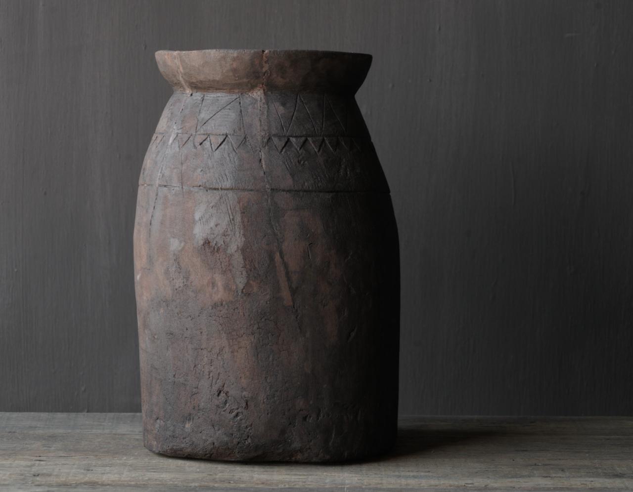 Oud houten nepalese  wabi sabi kruik  XL-4