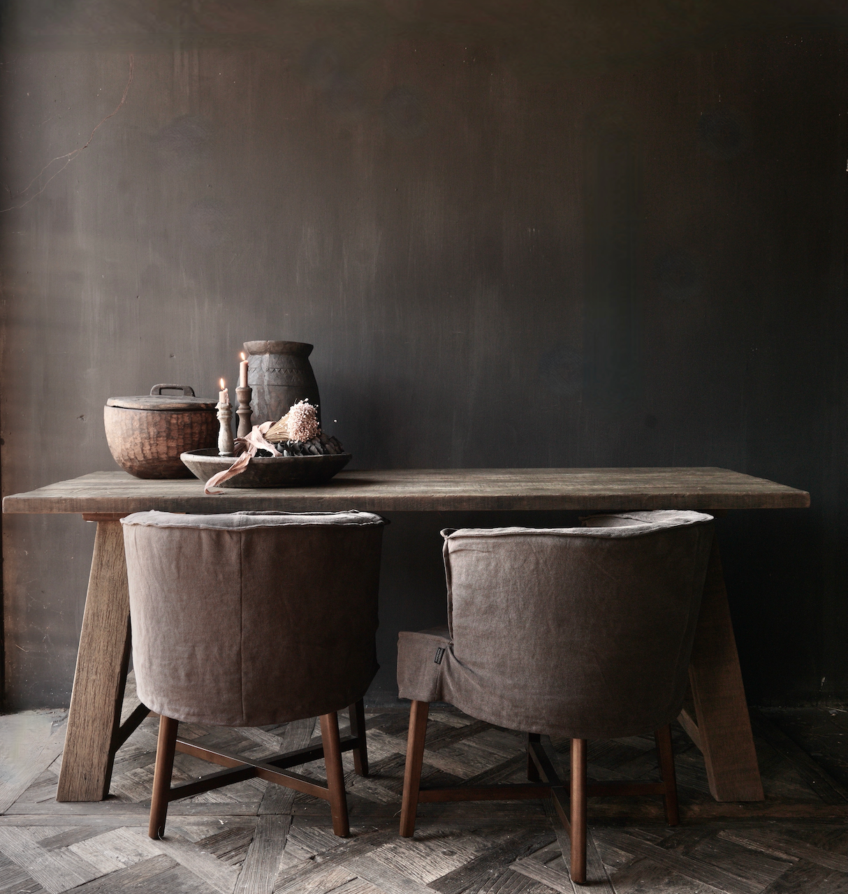 Stoer  oud houten eetkamer tafel  met A poot-2