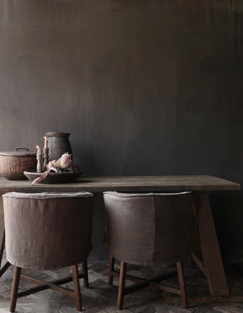 Stoer  oud houten eetkamer tafel  met A poot-1