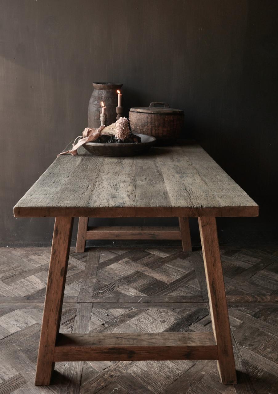 Stoer  oud houten eetkamer tafel  met A poot-6
