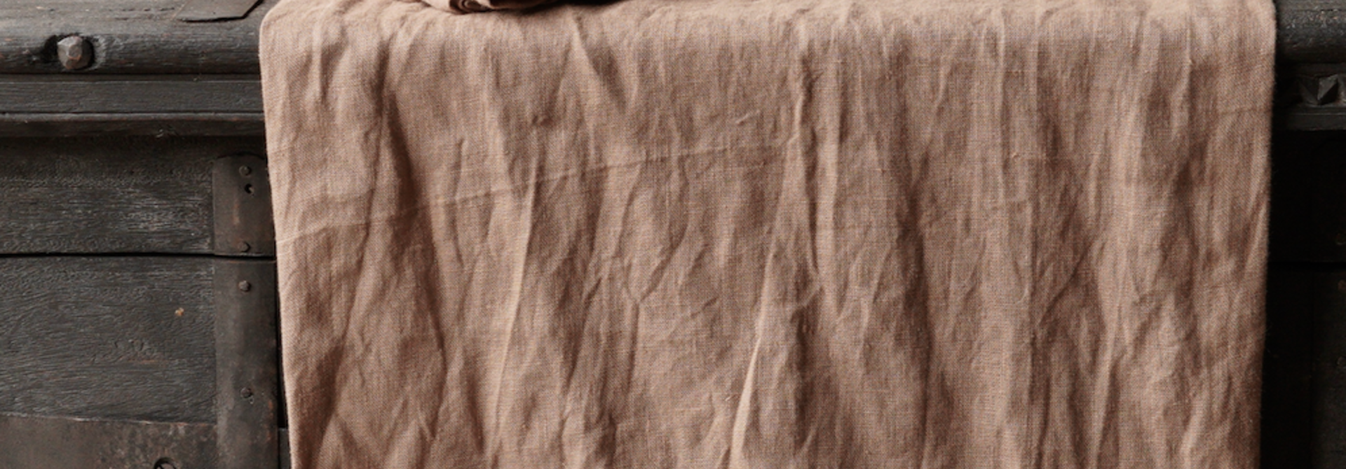 Stoere Amber kleur  linnen  Runner/Tafelloper