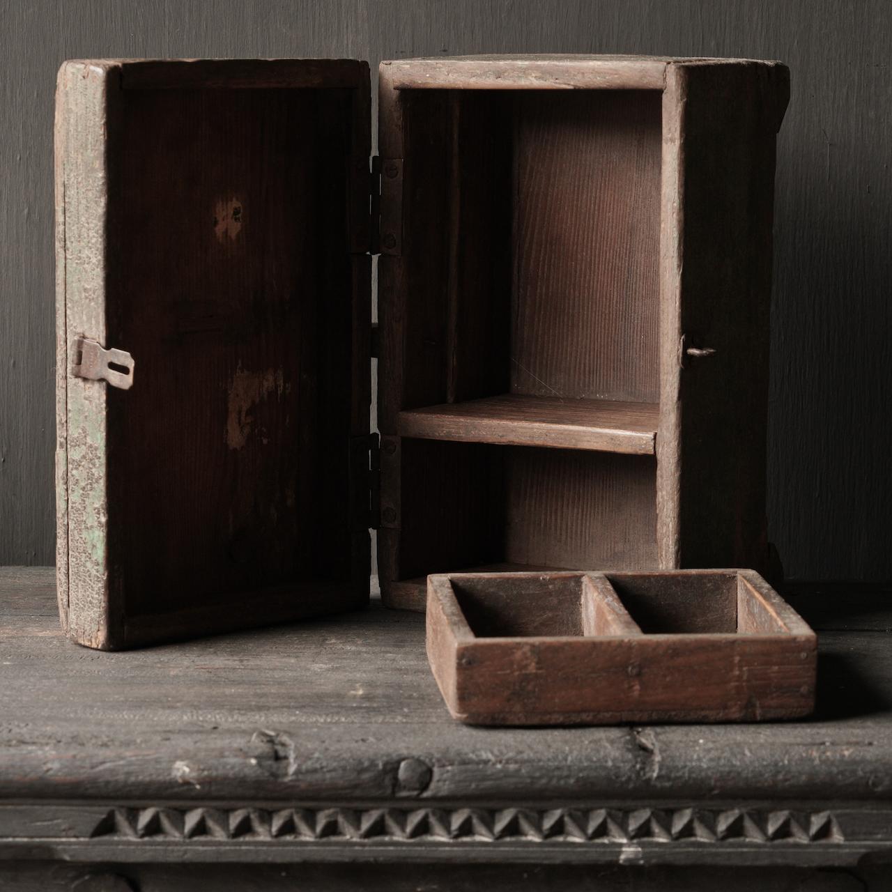Alte authentische Holzkiste-6
