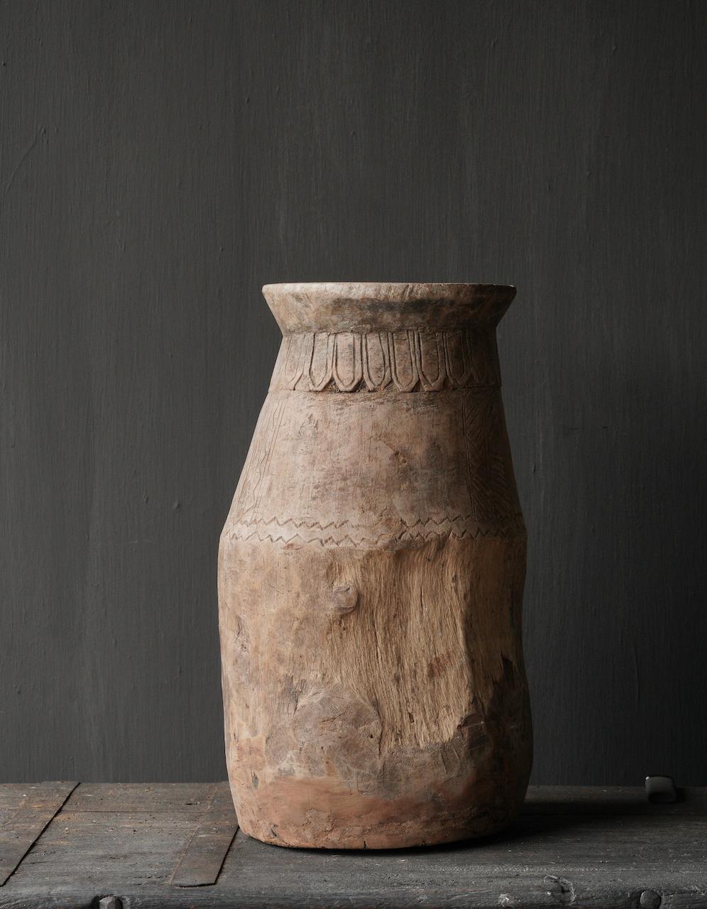 Oud houten nepalese  wabi sabi kruik  XL-5