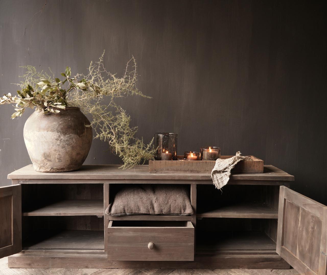 Robuste TV-Möbel / Sideboard aus Altholz-2