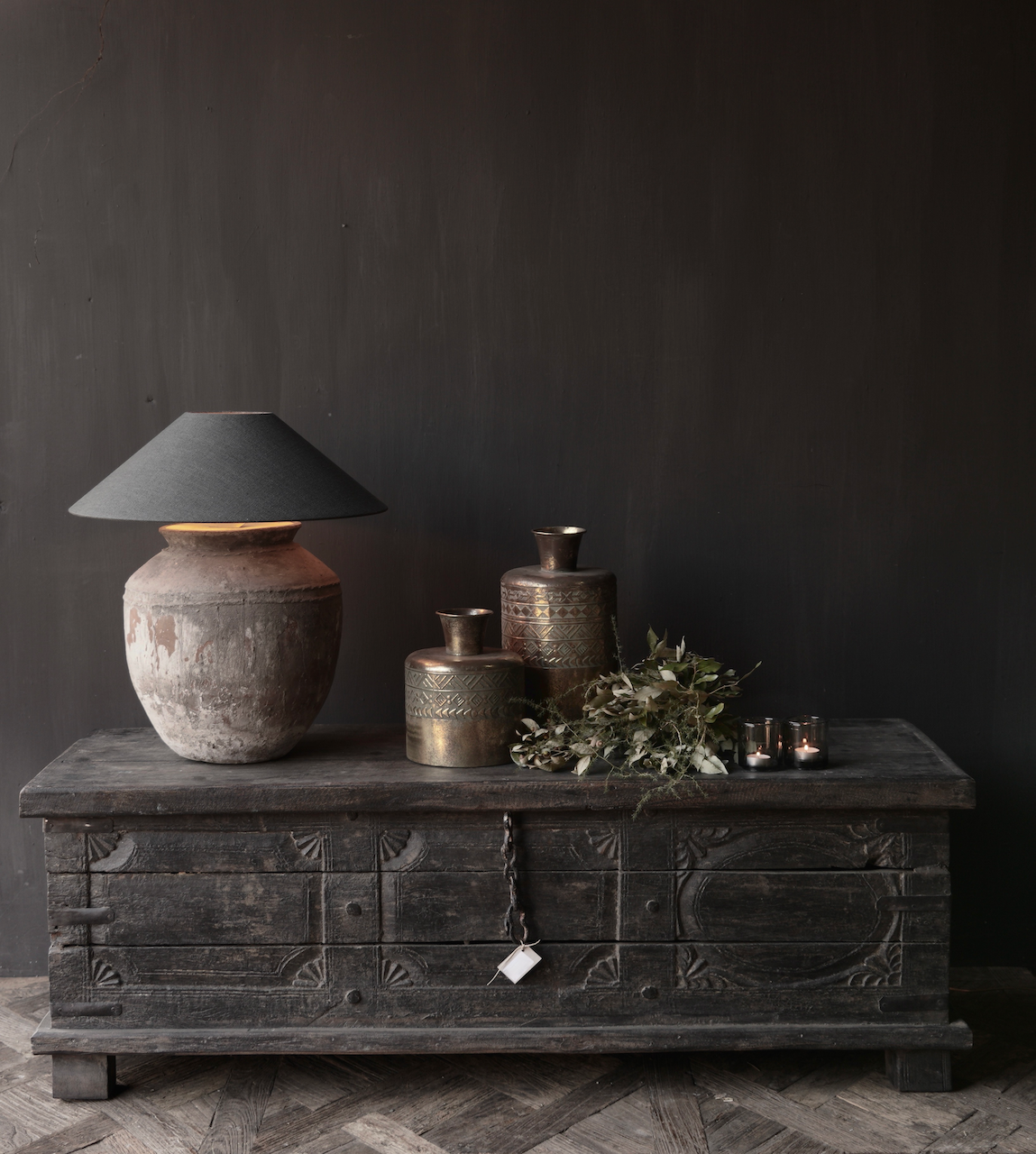 Oude Authentieke houten kist  /tv meubel-1
