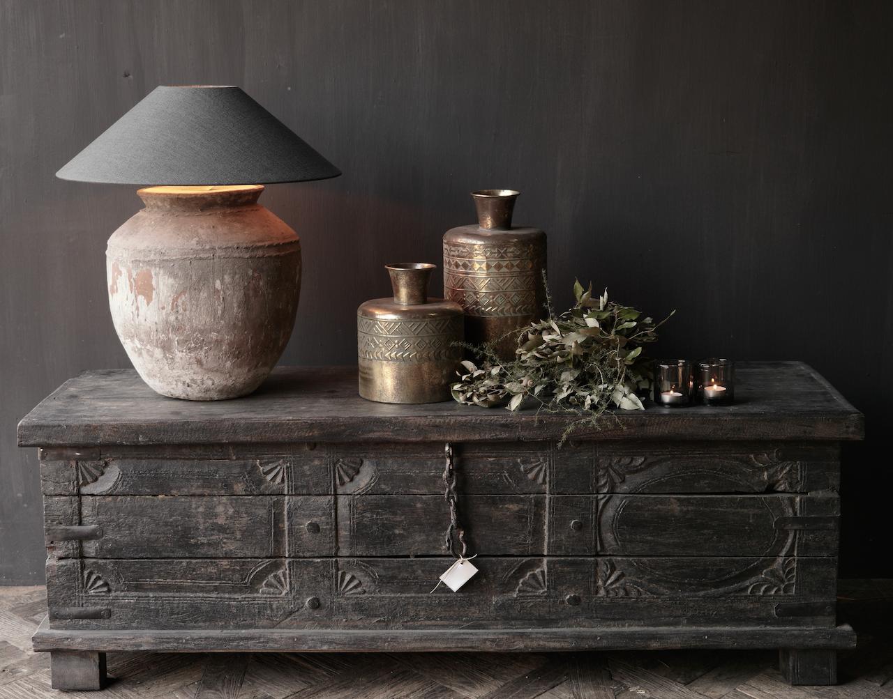 Oude Authentieke houten kist  /tv meubel-2