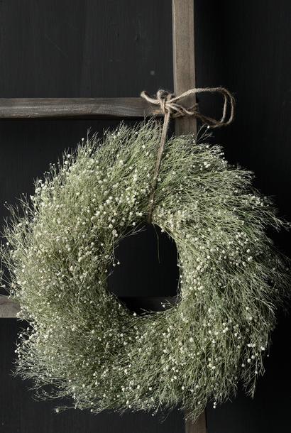 Gypsum herb wreath