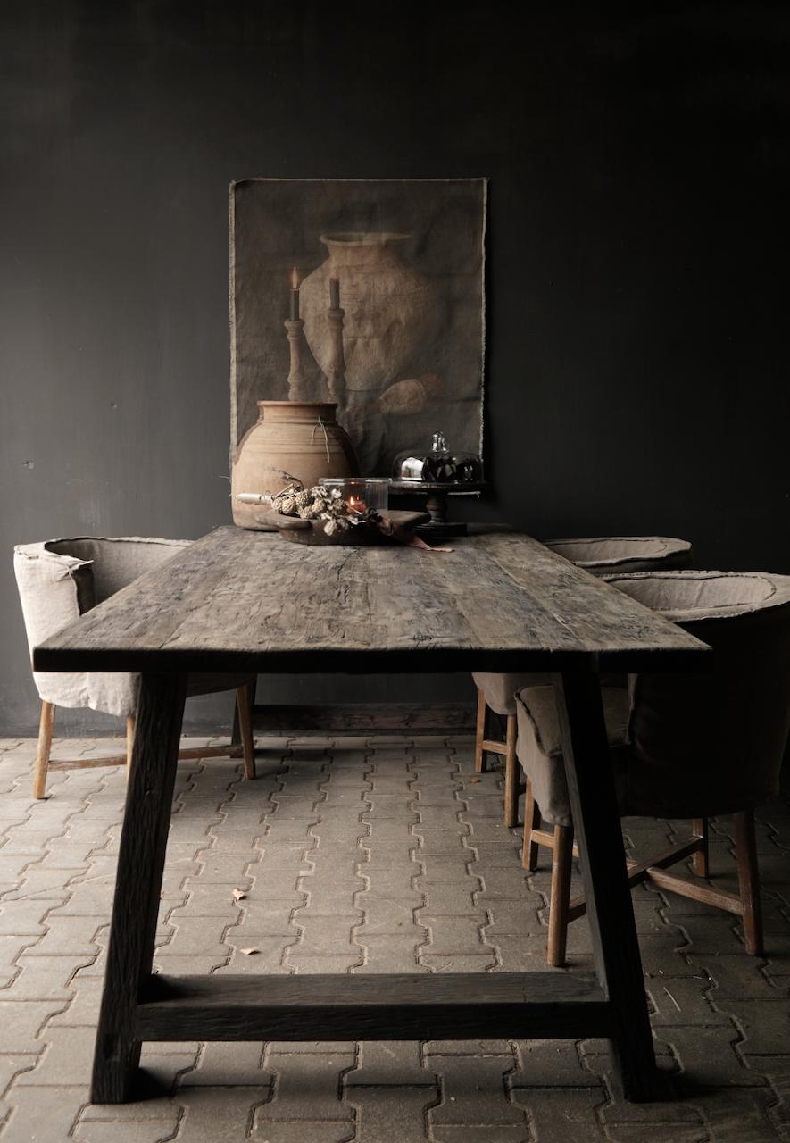 Stoer donker oud houten eetkamer tafel  met A poot-1