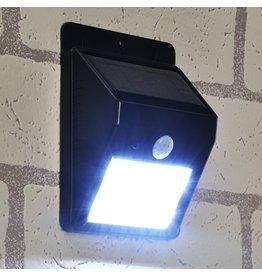 Tuinlamp met bewegingssensor solar LED