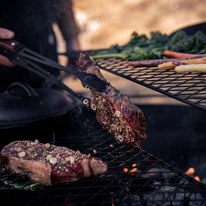 Cowboy Fire Pit Grill Rooster van Barebones