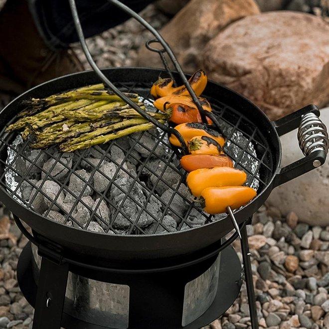 Outdoor Iron Oven met accessoires van Barebones