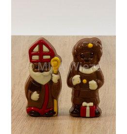 Lachend Sintje met boek of Pietje met cadeautje deco  - 35 gr - Callebaut chocolade
