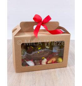 Geschenkdoos met stoomboot en snoepgoed van de Sint