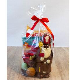 Sinterklaaspakket met deco sint 150 gr en snoepgoed van de Sint