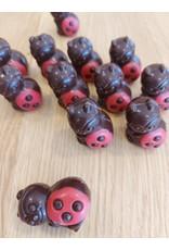 Onze Lieve heersbeestje  fondant vanille vulling - rood ingekleurd