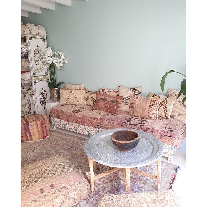 Marokkaanse theetafel met houten onderstel