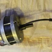 TX-MOT24R10; Electromotor TX 24 Volt rechts 10cm kabel 1x 3 polige stekker