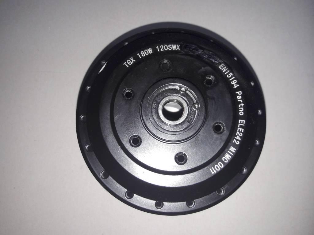 TX-MOT HULS rechts; Naafhuls TX motor met deksel zwart. Kabel rechts.