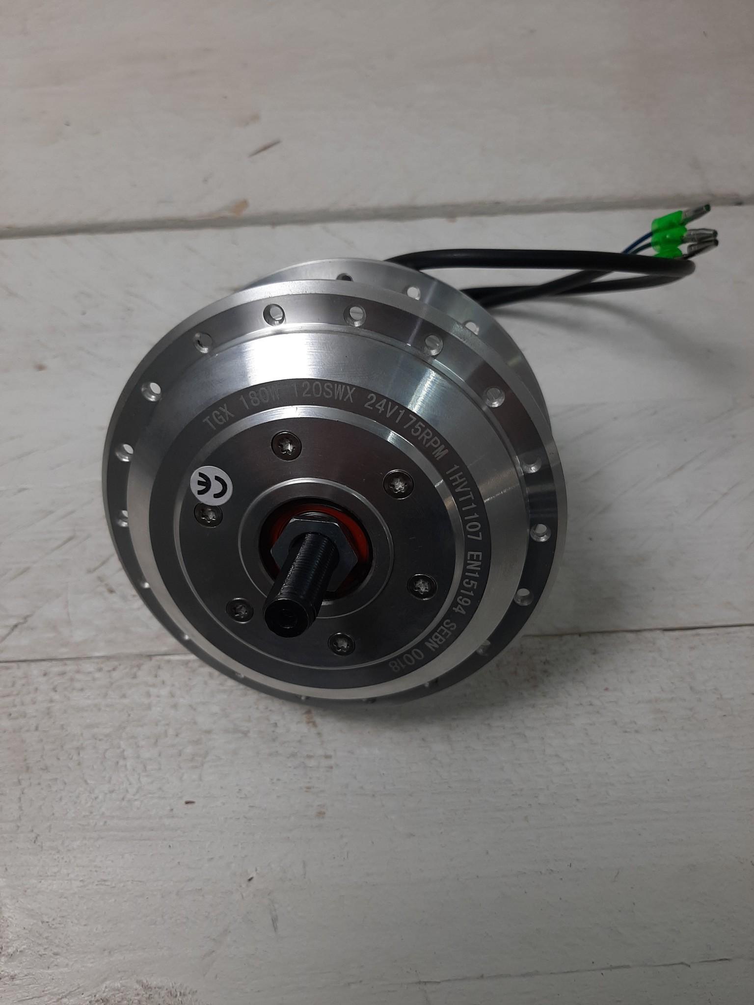 TX-FM-24ROL50; Voornaaf met electromotor TX24 Volt kabel links, geschikt voor rollerbrake