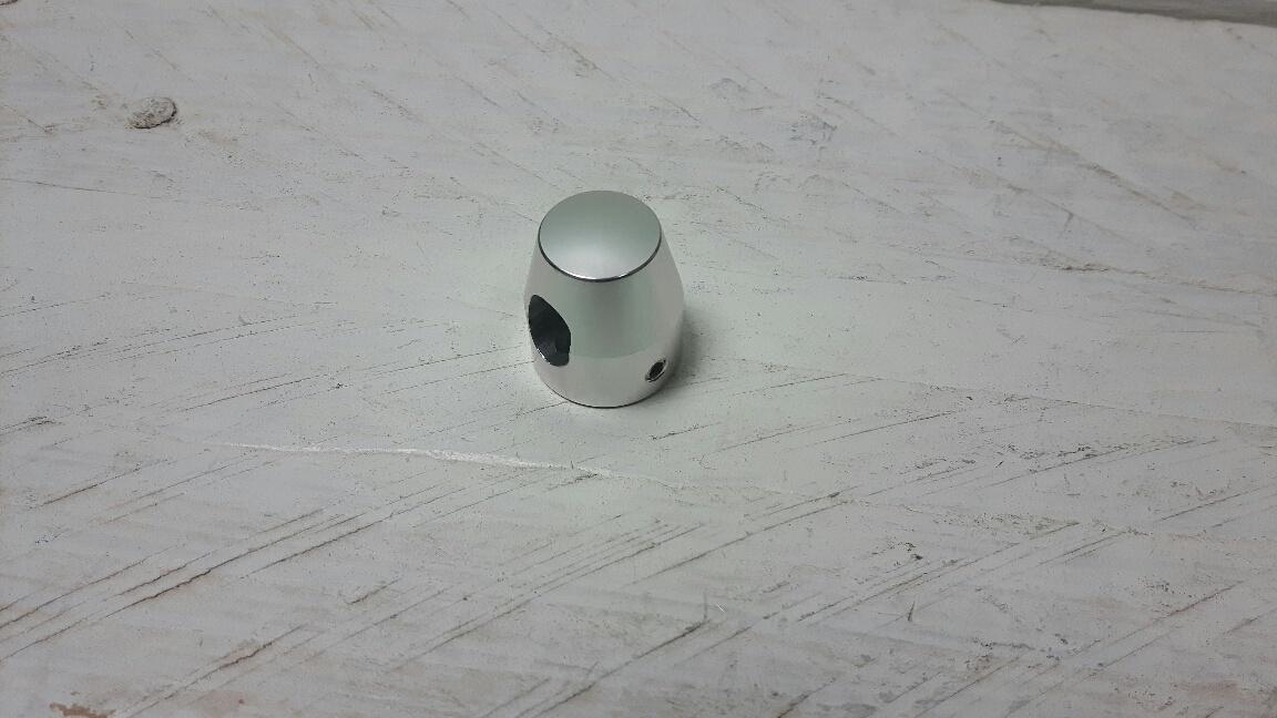 ELE046; Beschermdop aluminium voor motorkabel