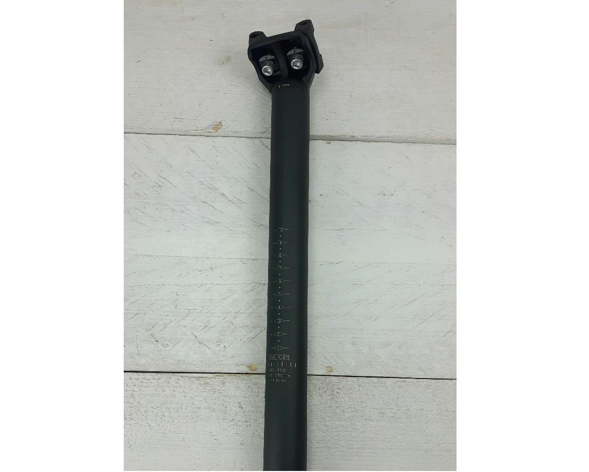 Zadelpen SATORI: alu zwart 31,6/350mm