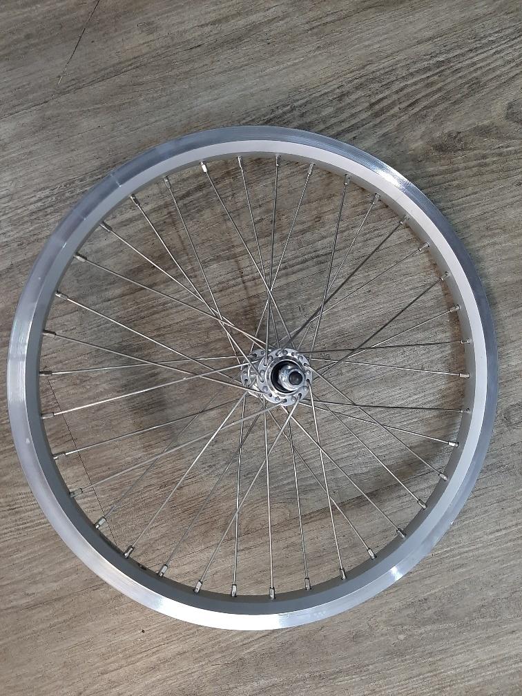 VWI2036A Voorwiel 20inch standaard voornaaf, Alu velg