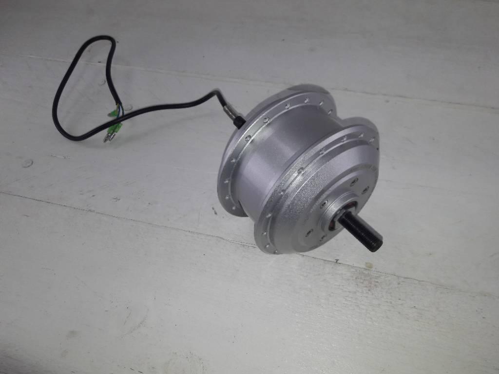TX-FM-VNA24L50/260; Naaf met motor TX 24 Volt 260 RPM kabel links 50cm met 3stekkers, geschikt voor schijfrem