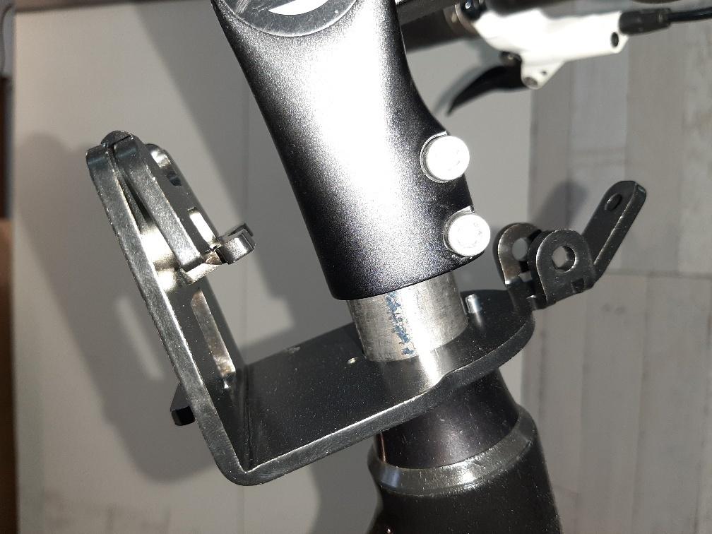 JP1066 AHS Beugel voor Yepp+scherm voor 1 1/4 (31,8mm)