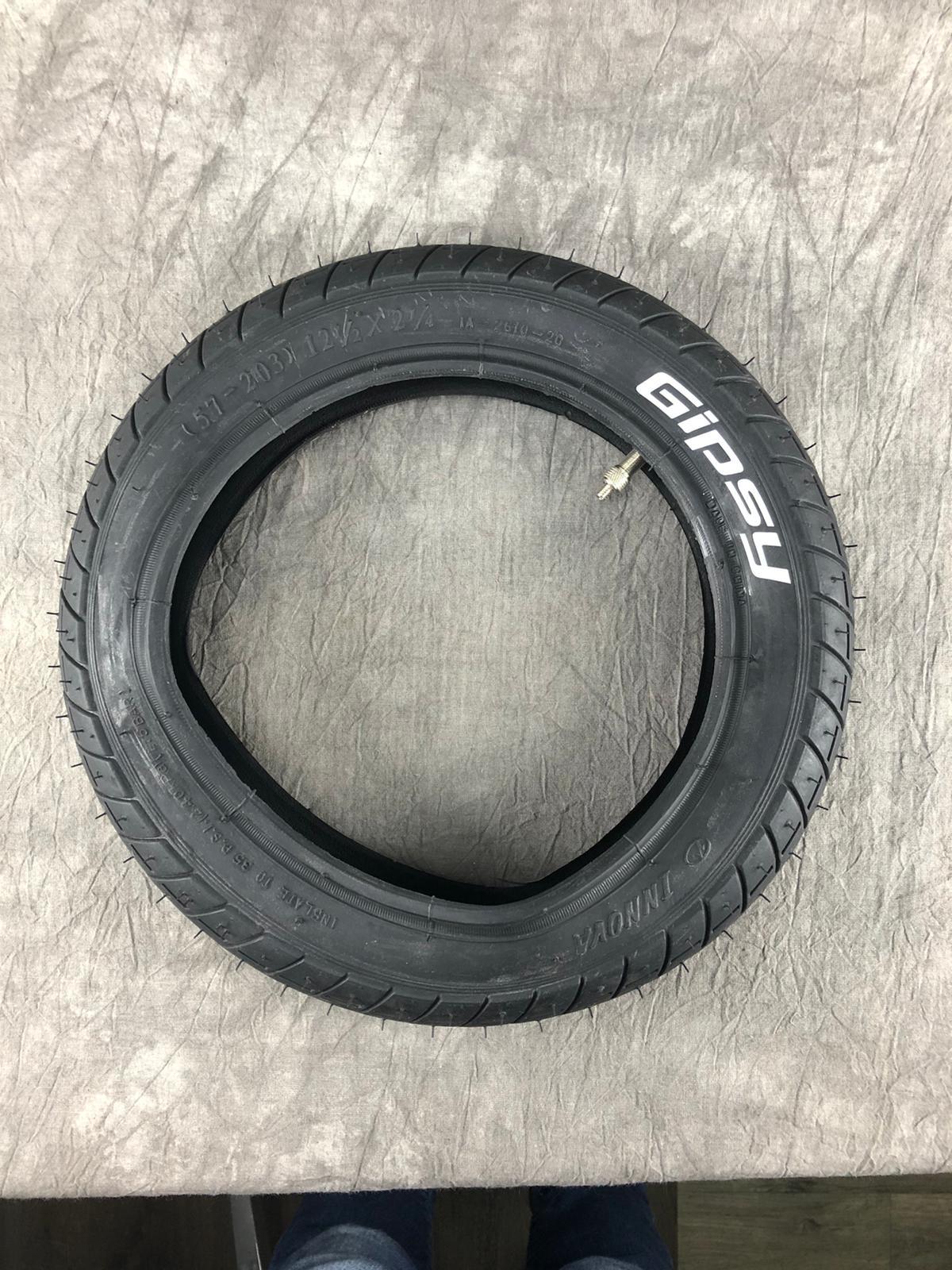 BAN12ZW:  Buiten en binnenband 12 inch (voor zijwielen)