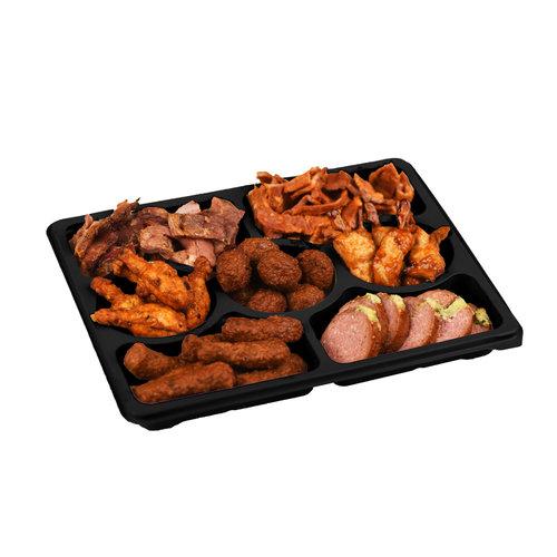 Wroetvarkensvlees Warme hapjes schaal. Even in de magnetron en smullen maar!